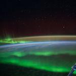 Polarlichter und Sterne